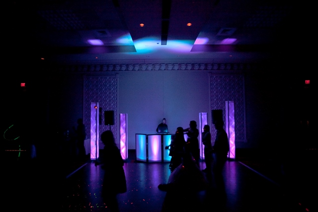 Lights On The Top Of Truss Pillars To Provide Added Visual Effects Once You See This Setup In Real Life Understand Why Style DJ
